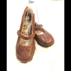 Thom McAn Mary Janes Brown Leather Size 7.5